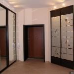 Шкафы встроенные для прихожей.
