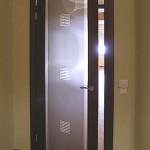 Дверь стеклянная офисная матовая с рисунком.