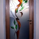 Дверь стеклянная (накладной английский витраж) межкомнатная распашная.
