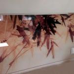 Стеклянная панель с рисунком для рабочей зоны кухни.