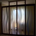 Перегородка из декорированного стекла. Рисунок из каталога или разрабатывается индивидуально.
