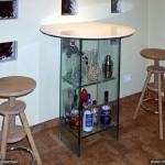 Дизайнерская барная стойка из стекла.