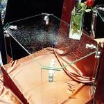 Журнальный столик из стекла.