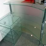 Рабочий стол их стекла для менеджера.