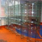 Стеклянные витрины для магазинов, аптек.