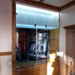 Шкаф-витрина для экспозиции коллекции.