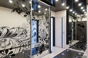 Фото v01-013   Гравировка и покраска со стороны амальгамы. Артель - изготовление зеркал, Арена-Сиб - изготовление шкафа.