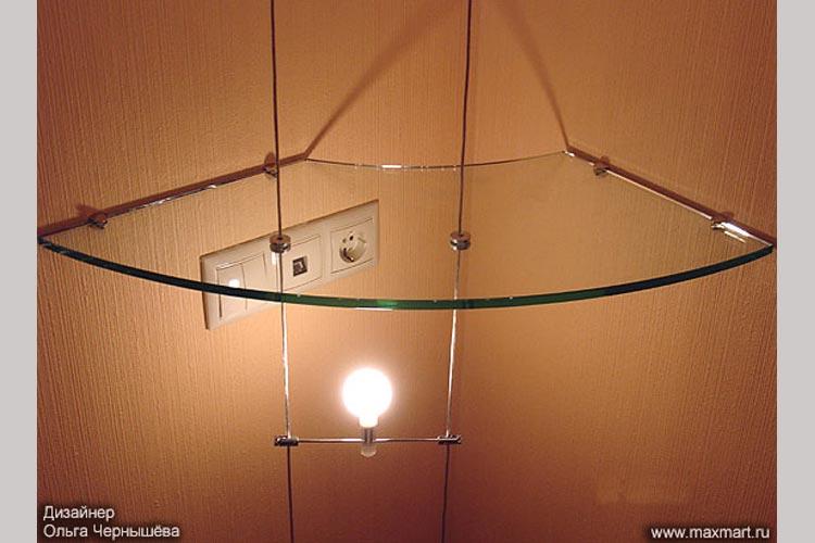 Угловая полка из стекла.