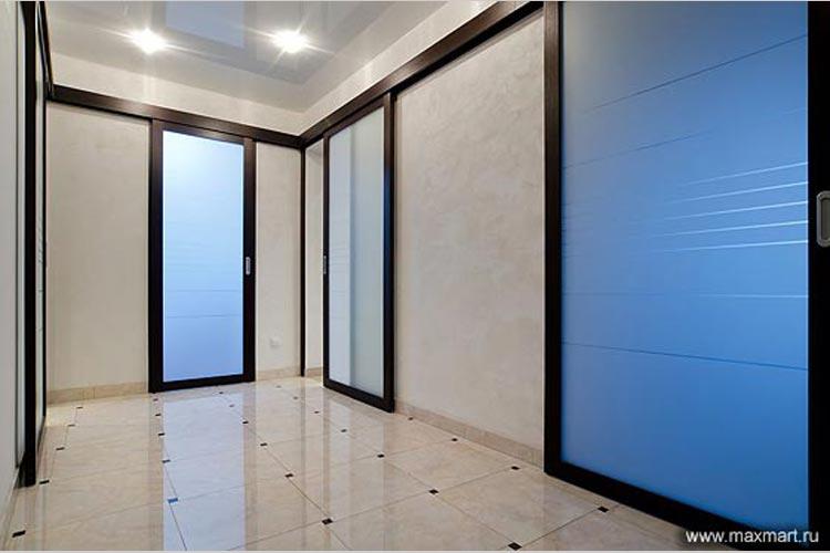 Откатные межкомнатные двери из стекла.