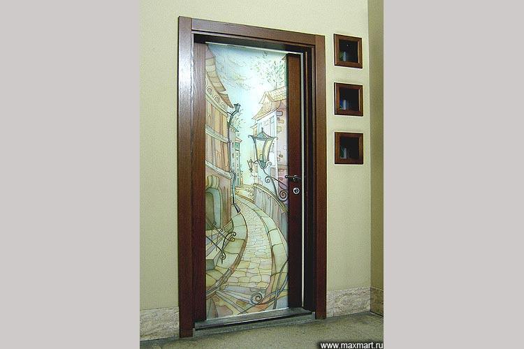Дверь распашная. Наполнение - батик в триплексе. Обрамление по двум сторонам.