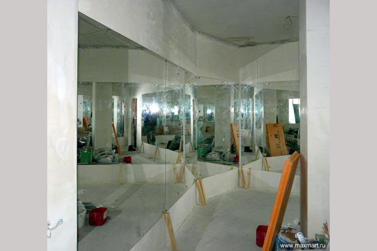 Установка больших зеркал.