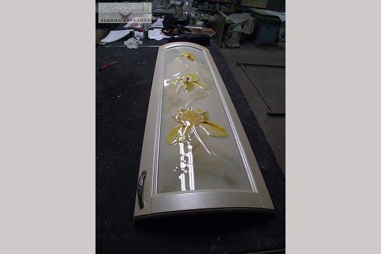 Декор стекло для гнутого кухонного фасада из фьюзинга.